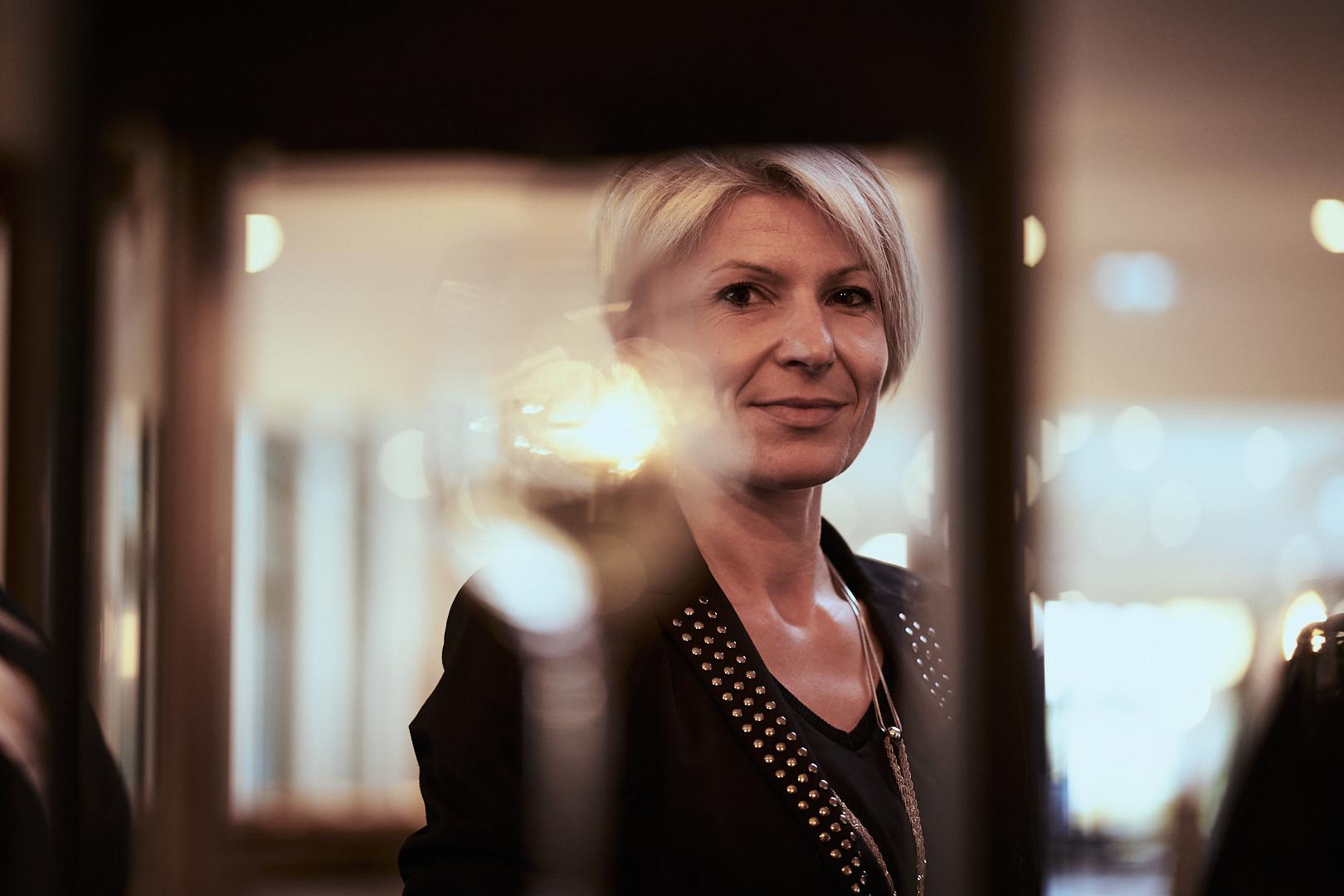 Pvk Photo | Portrais | Portrait d'une femme lors d'un évènement d'entreprise
