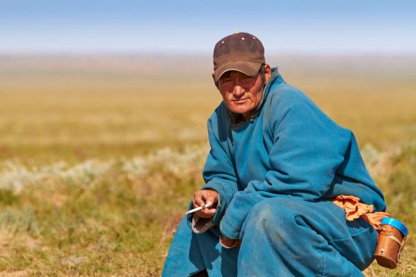 Pvk Photo | Nomade Mongol Dans les Steppes de Mongolie Centrale