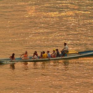 Traversée du Mekong au Laos en navette pirogue